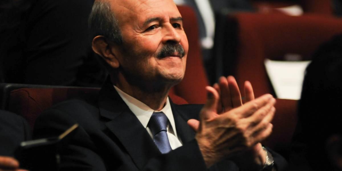 Fausto Vallejo demanda a Carlos Loret de Mola por daño moral