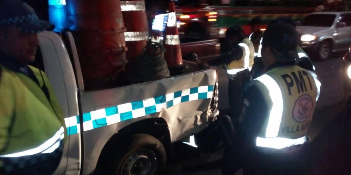 Tráiler y patrulla de la PMT colisionan en bajada de Villalobos