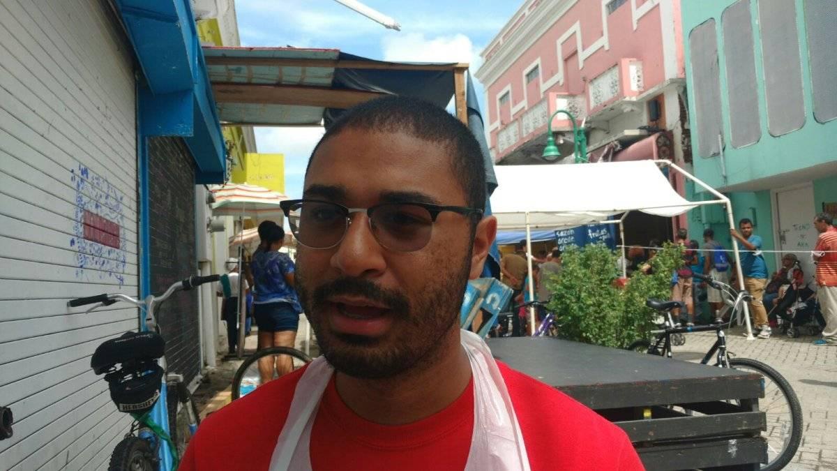 Joshua García Aponte, activista y cocinero del CAM. (Joshua Mikasobe/Metro PR)