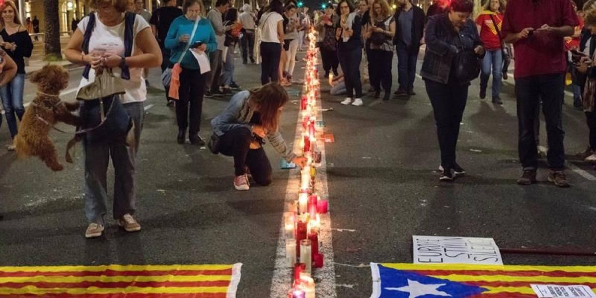 """""""Hemos llegado a una situación límite"""": Gobierno español y socialistas pactan elecciones en Cataluña"""