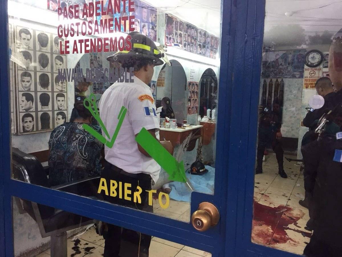Dos personas murieron en una barbería en Boca del Monte.