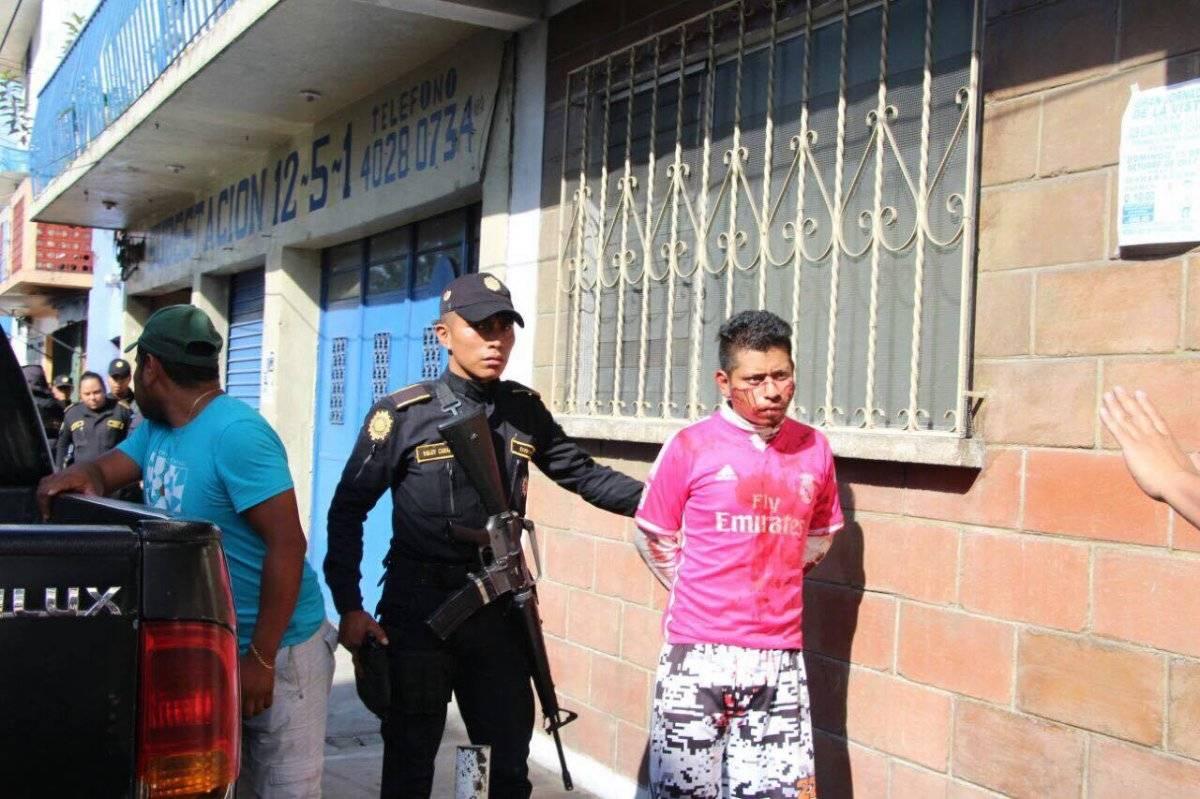 Los miembros de la pandilla del Barrio 18 fueron capturados en la salida de Chinautla. PNC