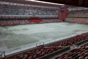 https://www.publimetro.com.mx/mx/publisport/2017/10/20/el-estadio-nemesio-diez-amanecio-congelado-luego-de-la-granizada-que-sufrio-toluca.html