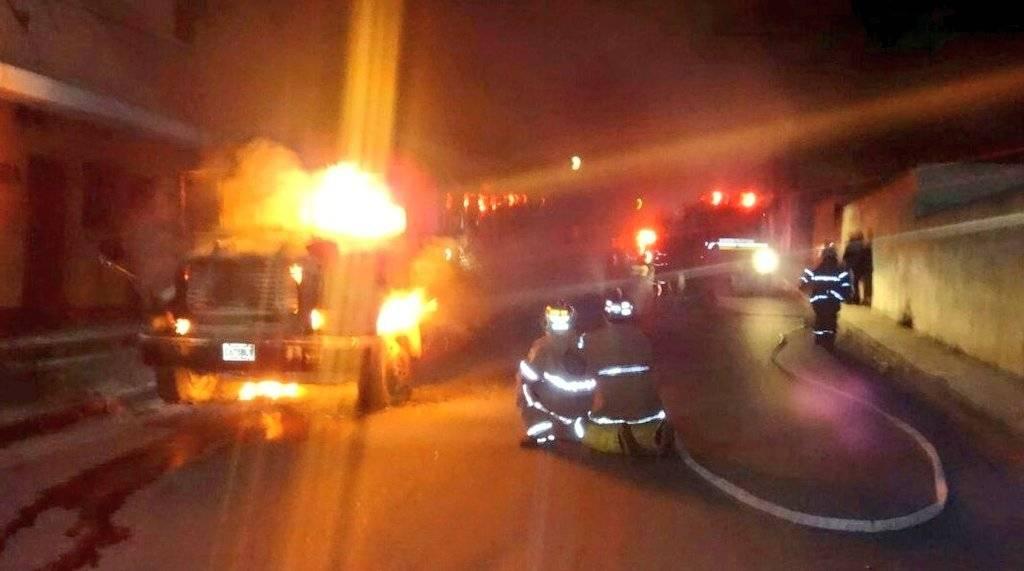 En la madrugada pandilleros incendiaron un autobús de la ruta Quetzal.