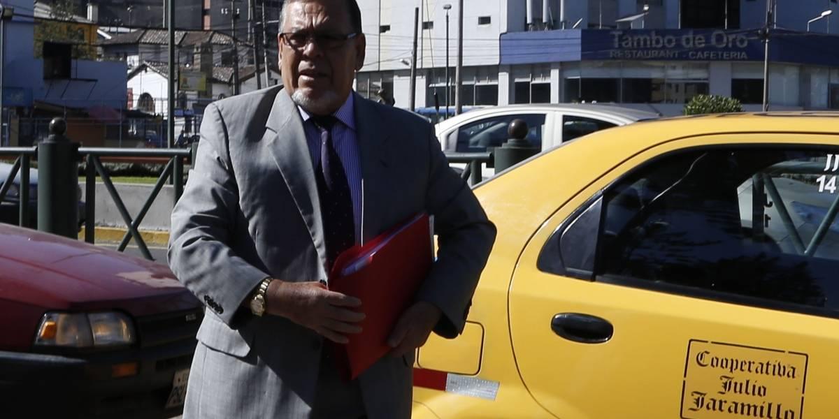 Abogado de excontralor pide que se investigue al Procurador