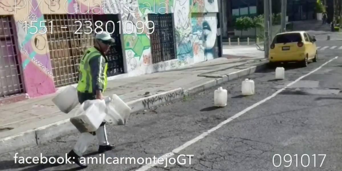 """Amílcar Montejo: """"Los estacionamientos son públicos, nadie está autorizado para cobrarle directamente"""""""