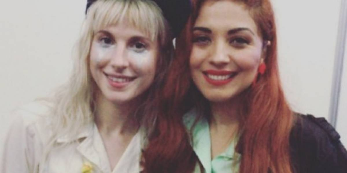 Vocalista de Paramore, impactada con la voz de Mon Laferte