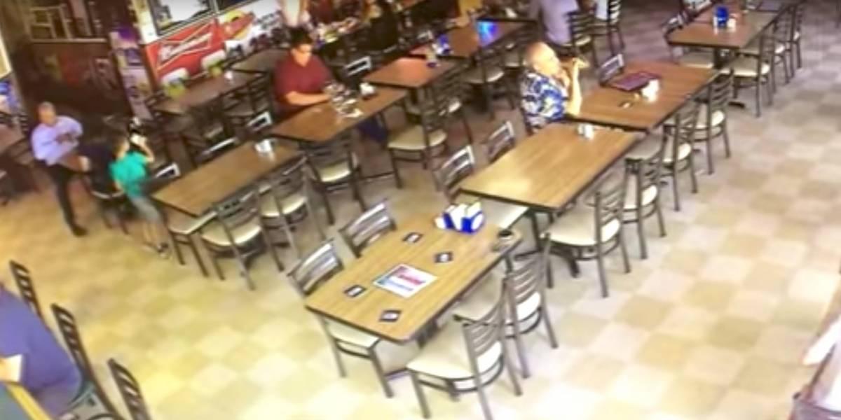 Cámaras de seguridad captan a supuesto 'fantasma' en un restaurante