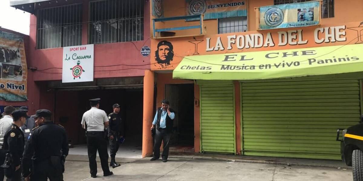 Policía indaga en cevichería donde asesinaron a dos mujeres