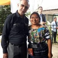 Fila enorme para fotografiarse con Iván Velásquez