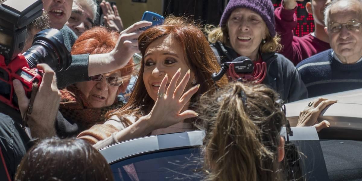 Expresidenta Kirchner gana banca del Senado en legislativas argentinas