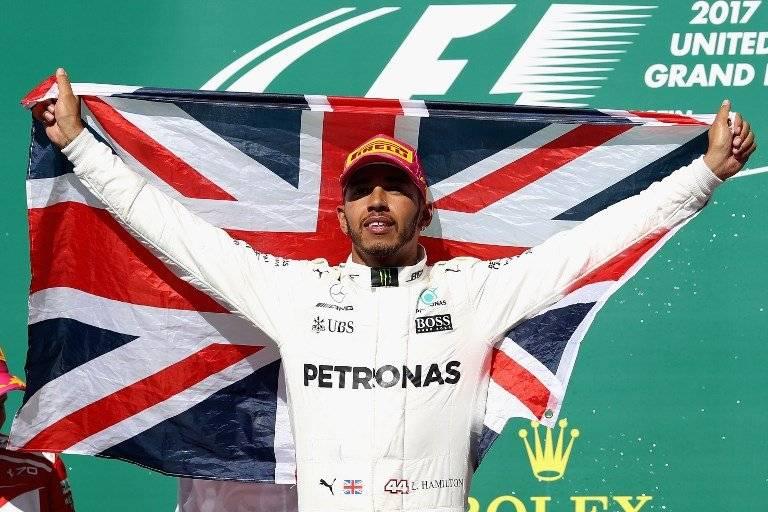 Lewis Hamilton está cerca el título