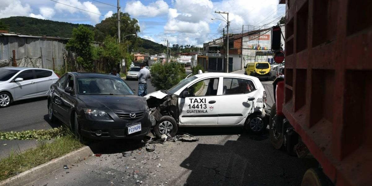 Accidente de tránsito deja cinco heridos en Calzada Tulam Tzu