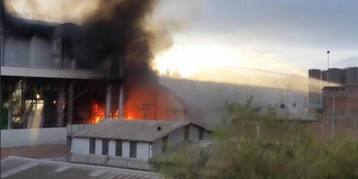 Se registró un incendio estructural en Parque Industrial de Cuenca