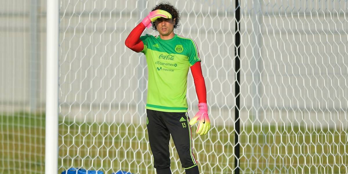 Memo Ochoa pide a sus seguidores votar por su nuevo look