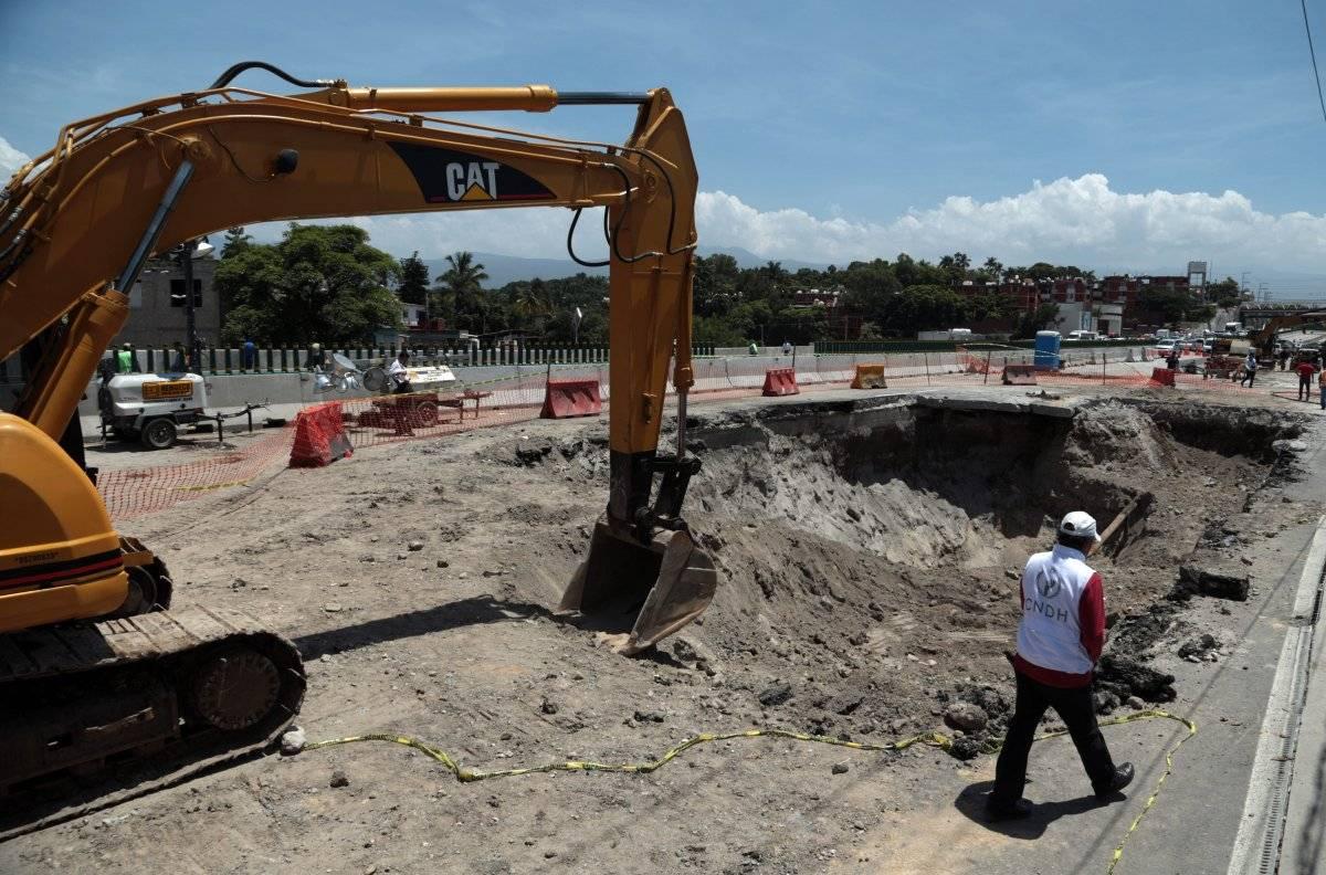 El socavón del Paso Exprés se originó el 12 de julio Foto: Cuartoscuro