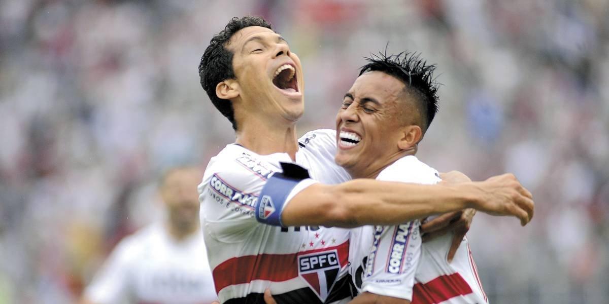 Clube chinês pede o retorno de Hernanes, mas São Paulo tenta segurá-lo
