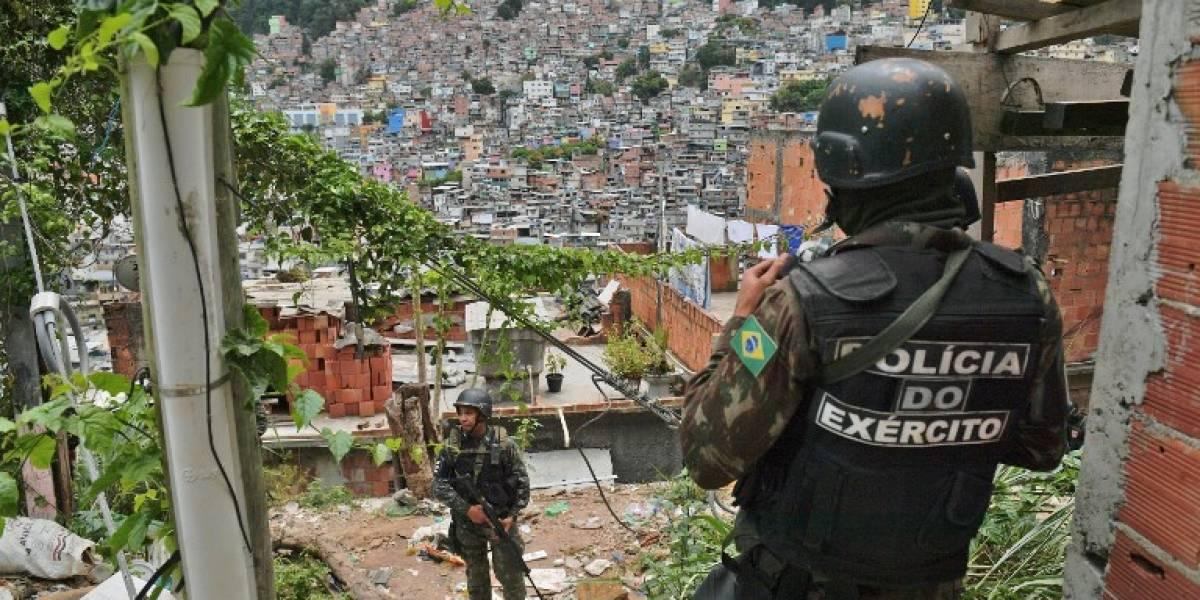Una nueva tragedia en Río: turista española muere por disparos de la policía en la favela de la Rocinha