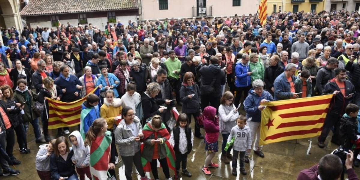 """Con llamados a la """"desobediencia civil masiva"""" : así inicia semana decisiva en Cataluña"""
