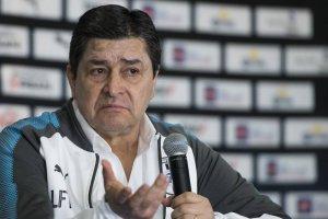 https://www.publimetro.com.mx/mx/deportes/2017/10/23/gallos-blancos-presentan-luis-fernando-tena-tecnico.html