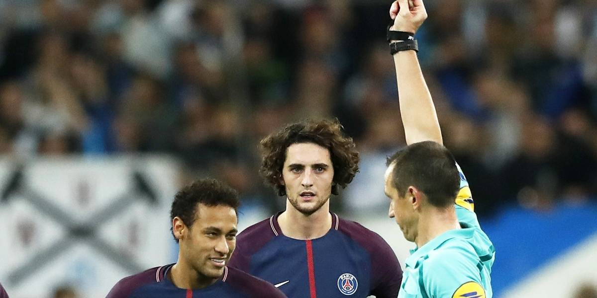 Neymar fue expulsado al recibir su primera tarjeta roja en el PSG