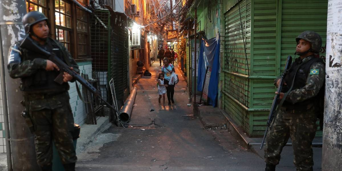 Española muere por disparos de policía en favela de Río de Janeiro