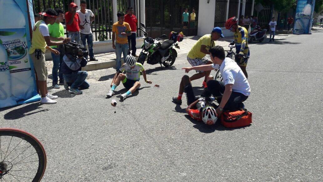 Accidente en la Vuelta Ciclística