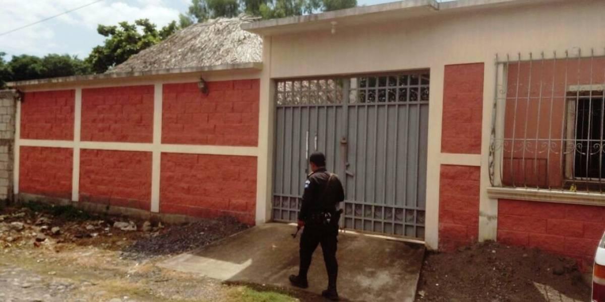 Tras recibir denuncia, la PNC allana vivienda y encuentra un cadáver
