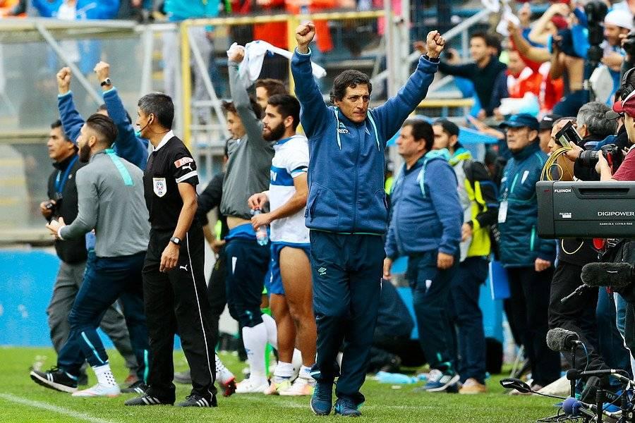 Mario Salas celebrando el triunfo 2-1 sobre la U del 23 de abril de 2016 / Foto: Agencia UNO