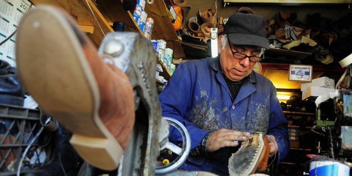 """""""Si te queda, te lo quedas"""": zapatos gratis en Barrio Victoria este miércoles por Día del Zapatero"""