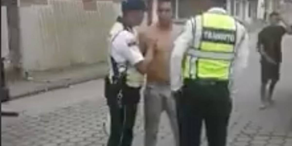 Video de pelea entre agente de tránsito y ciudadano se vuelve viral