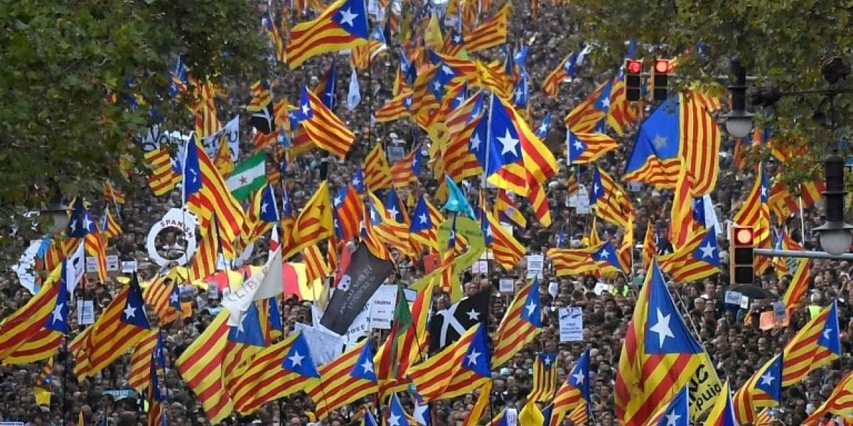 Independentistas proponen pleno parlamentario el jueves para responder al artículo 155 que permite la intervención de Cataluña por parte del gobierno