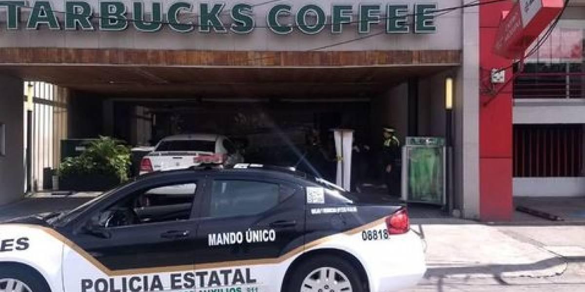 Balean a hombre en Starbucks de Naucalpan