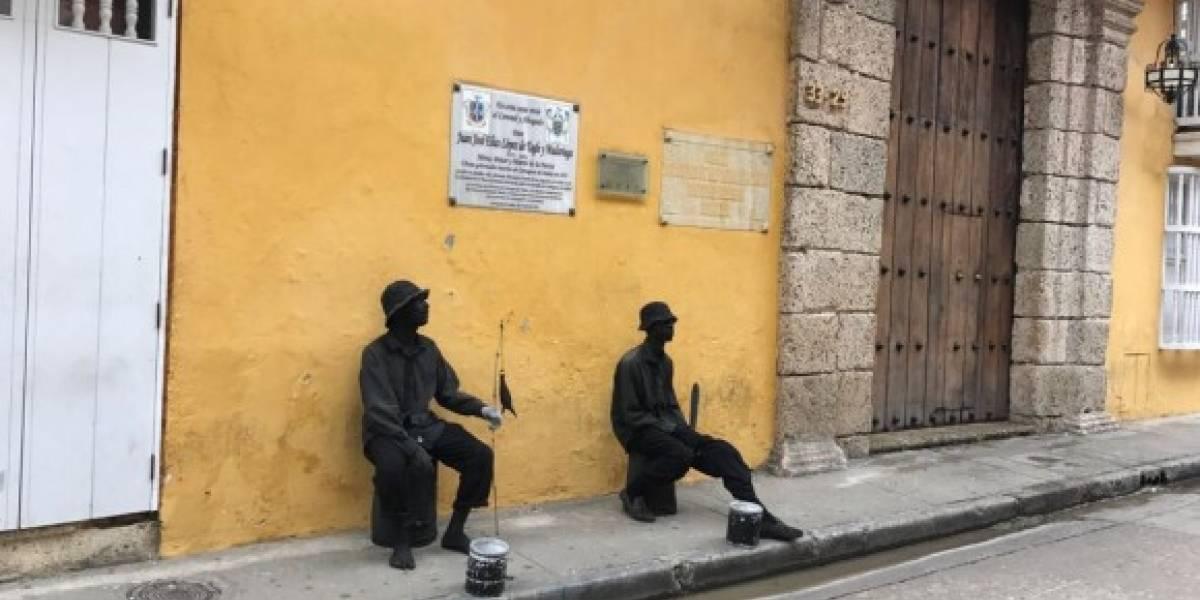 Carnetizarán a las estatuas humanas en Cartagena
