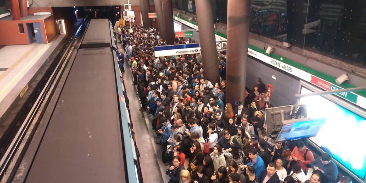 Ministerio del Trabajo llama a que jefes sean comprensivos tras falla en el Metro
