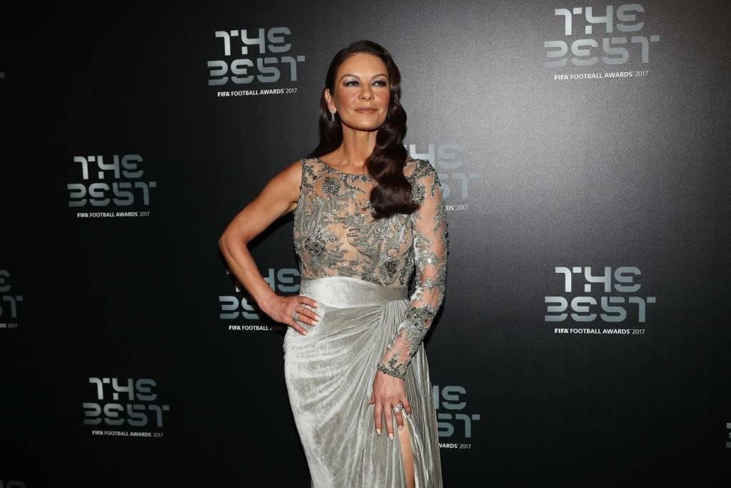 Irreconocible: Catherine Zeta Jones con nuevo rostro a los 48