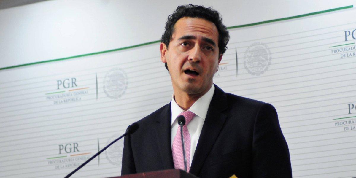 PGR rechaza que decisión de destituir a Santiago Nieto venga de Los Pinos