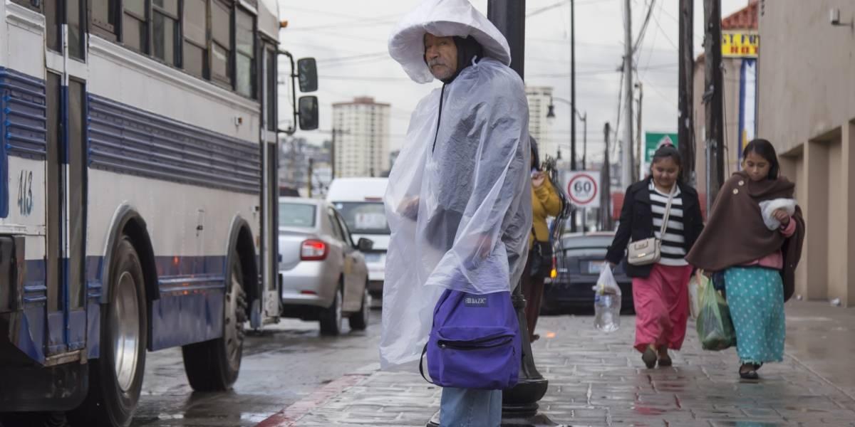 Este lunes se esperan bajas temperaturas y lluvias en varios estados del país