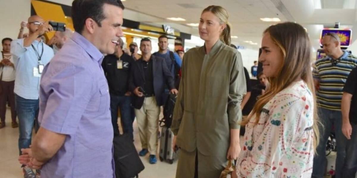 Puig llega junto a Sharapova para repartir ayuda a damnificados