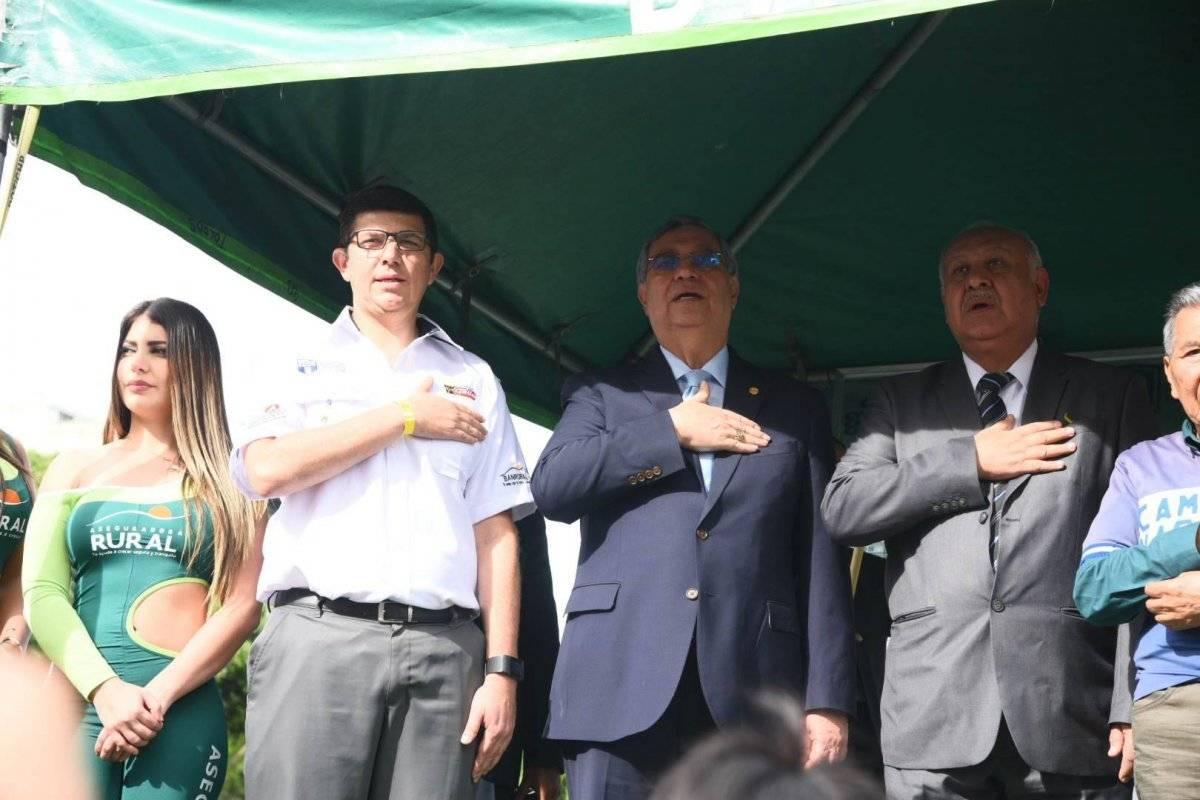 Vicepresidente participa en inauguración de la Vuelta Ciclística a Guatemala. Foto: Douglas Suruy