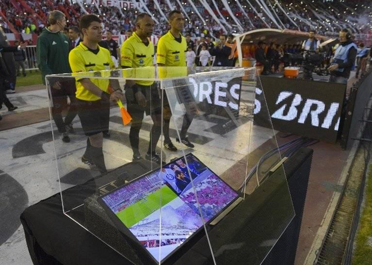 El VAR debutó en la Libertadores / imagen: AFP