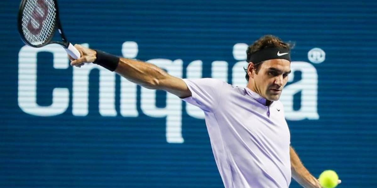 """Federer comienza arrasando en """"su"""" casa y sueña con el Nº1 de 2017"""