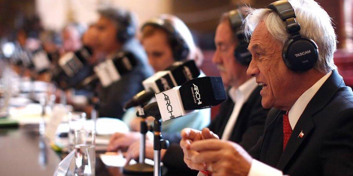 """Santiaguinos """"confiarían sus ahorros"""" a Piñera según estudio de Universidad San Sebastián"""
