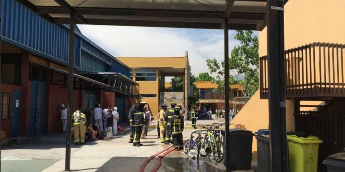 Bomba de ruido dejó ocho heridos en colegio de Vitacura