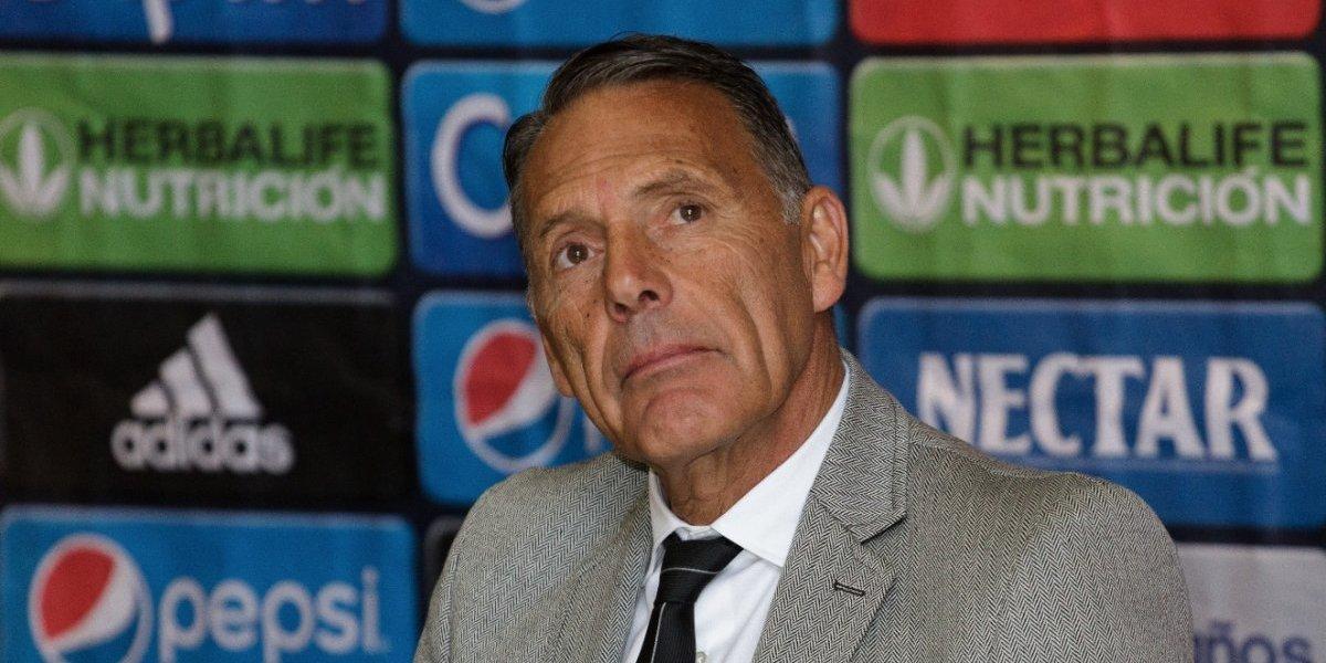 Internación de Miguel Ángel Russo continuará por unos días más