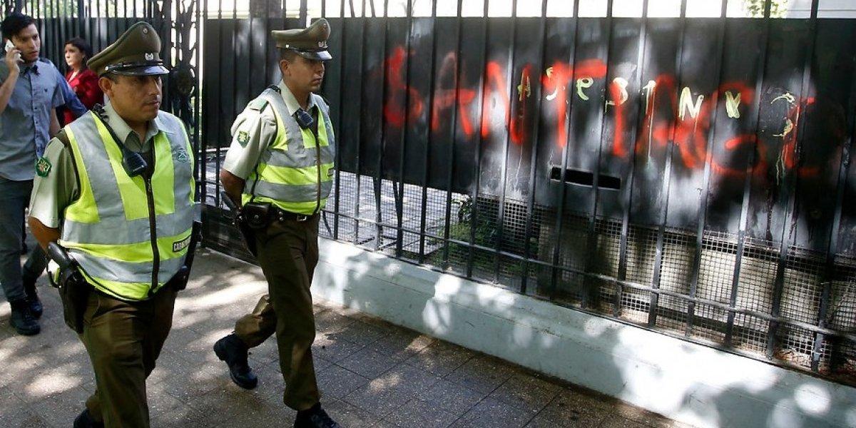 Caso Maldonado en Chile: atacan embajada argentina en Santiago y canciller Muñoz anuncia protección