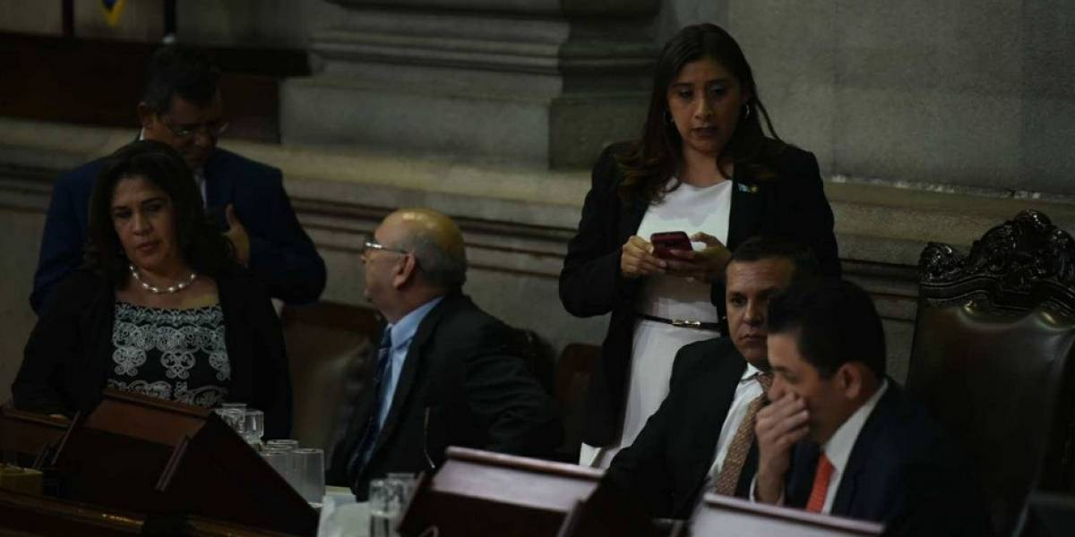 Por segunda ocasión diputados rechazan agenda propuesta por directiva