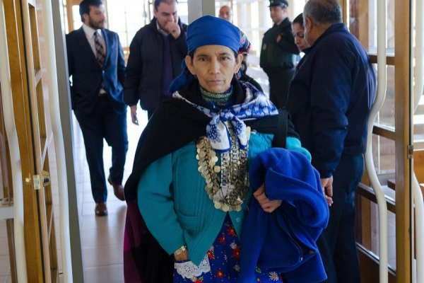 Machi Linconao regresó a Chile en completo hermetismo
