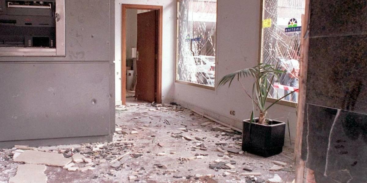 Ladrones rompieron una pared para robar una sede de Bancolombia
