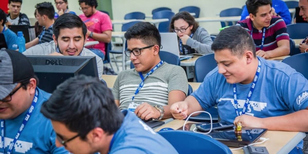 FIT 2017: Se motivó a estudiantes a que produzcan tecnología